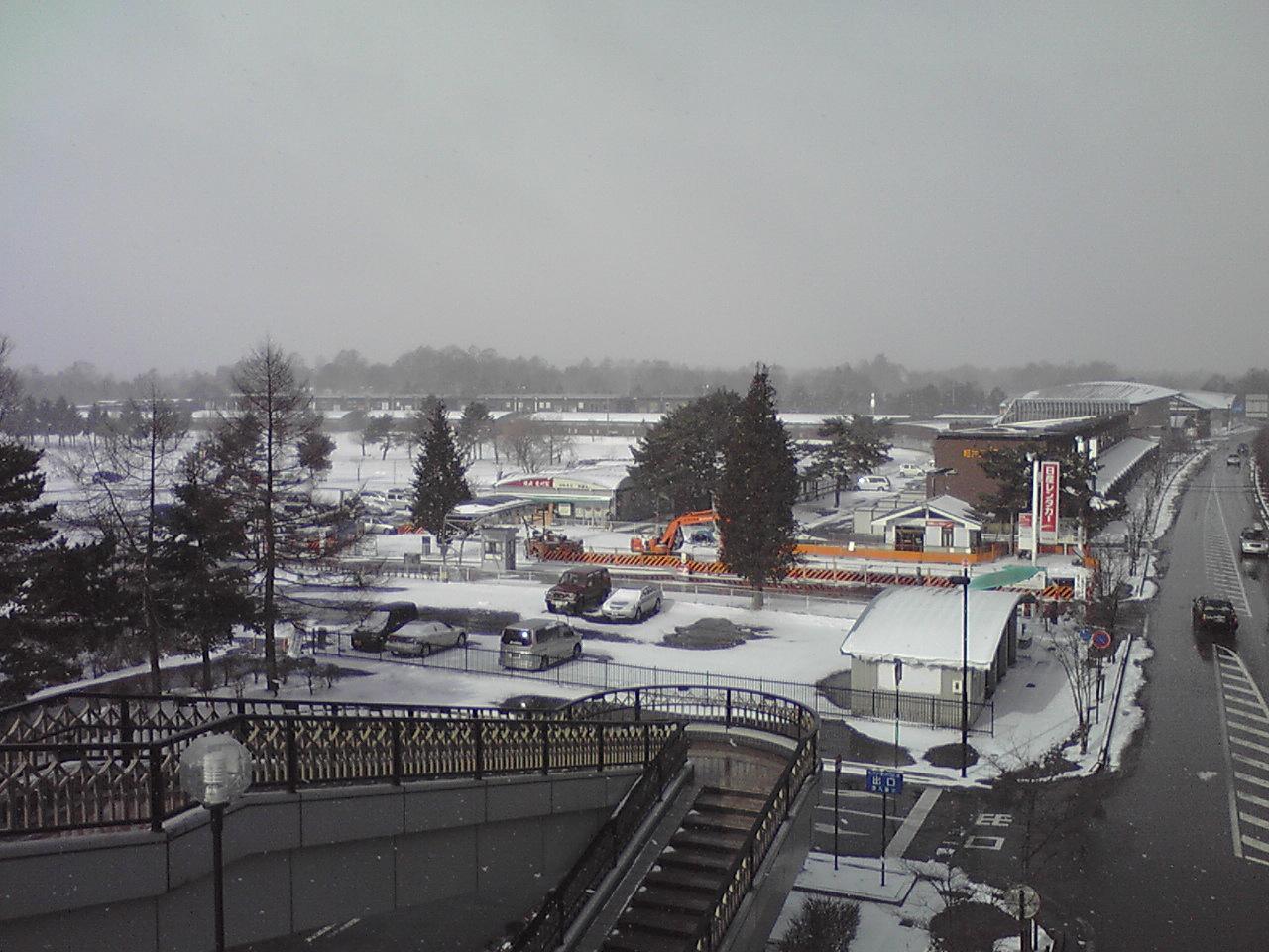 今朝の軽井沢【雪時々晴れ】