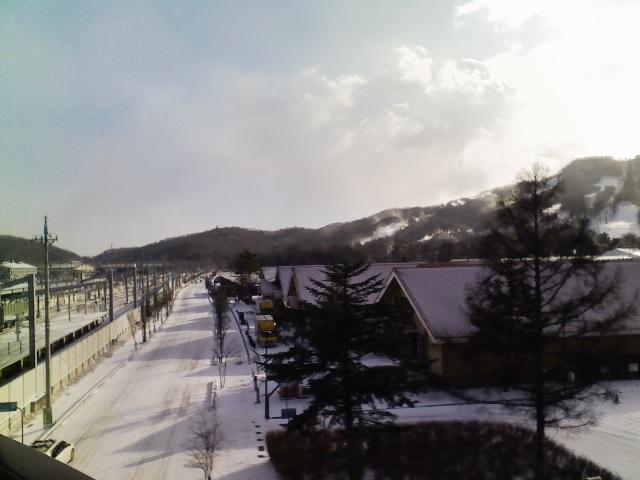 今朝の軽井沢【雪時々晴れ間】