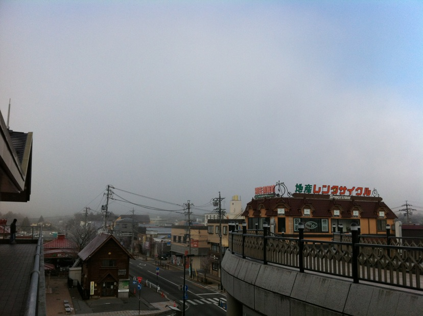 今朝の軽井沢【霧時々雪】