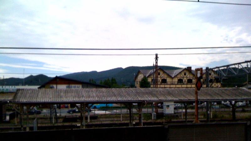 今朝の軽井沢【曇り時々腫れ】