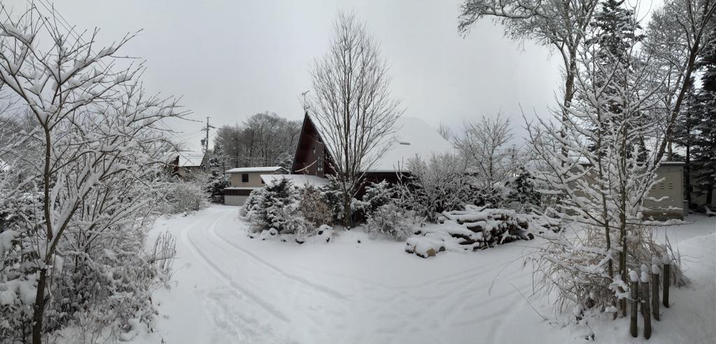 今朝の軽井沢【雪のち曇り】