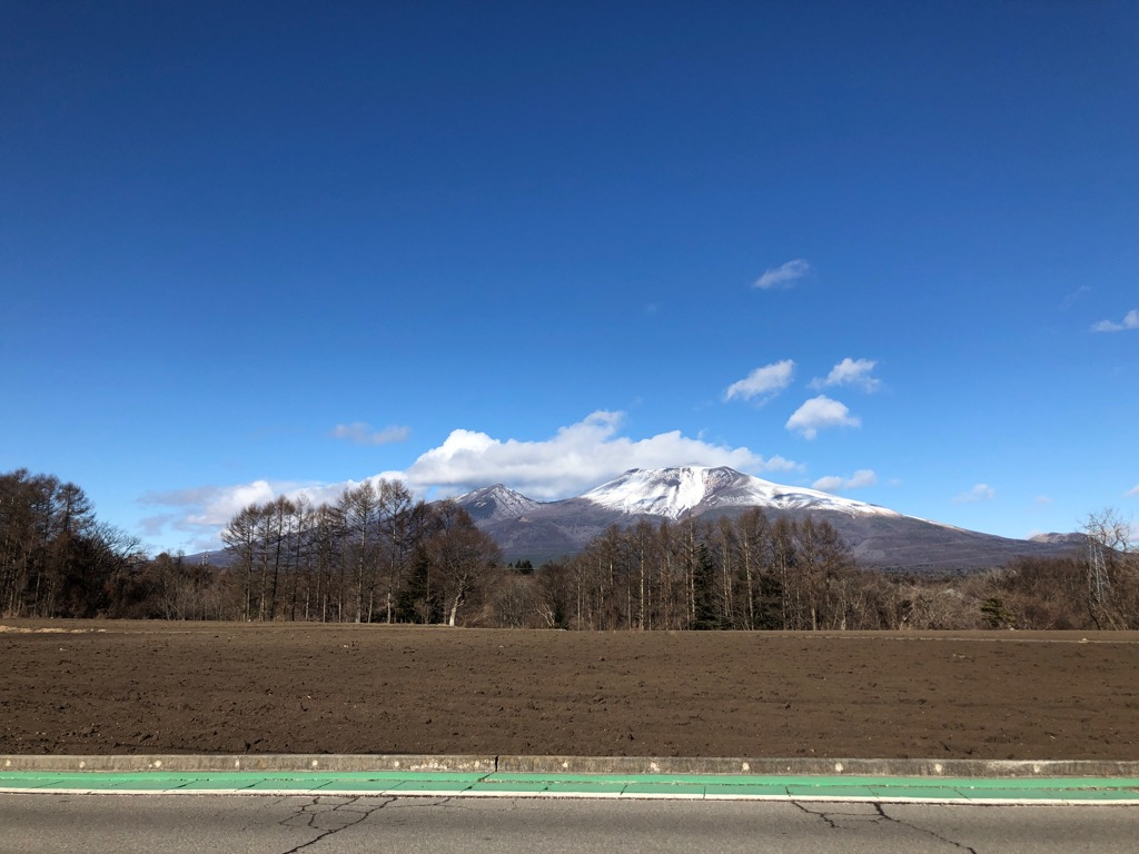 浅間山を望む。