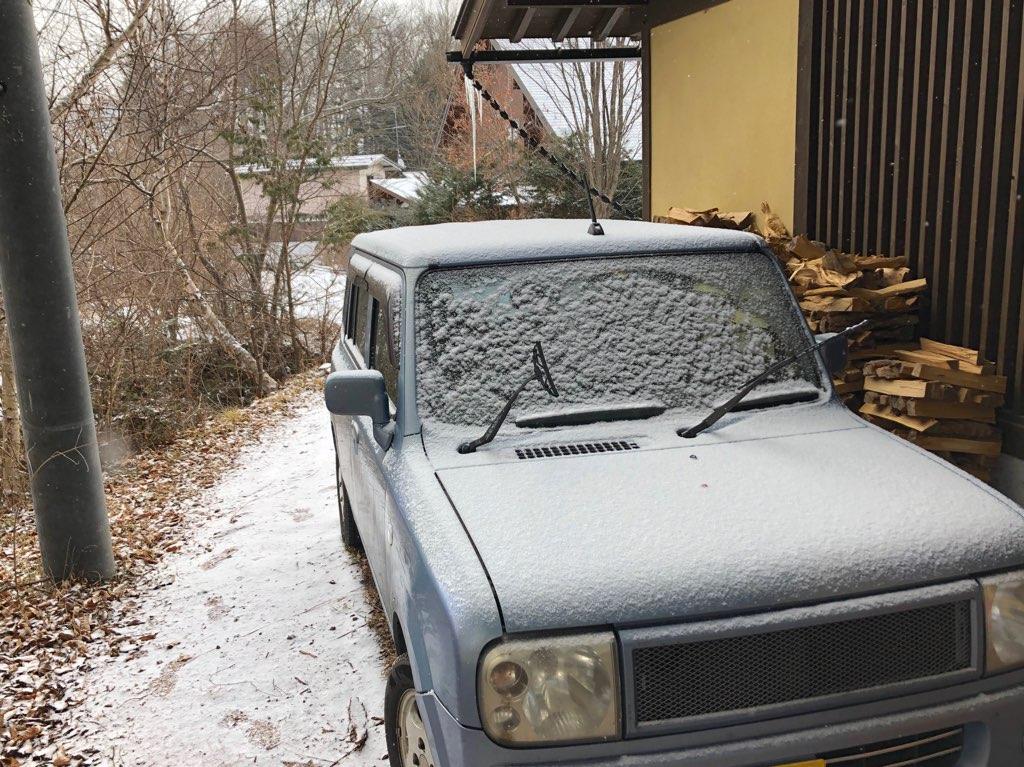 今朝の軽井沢【晴れ時々雪】